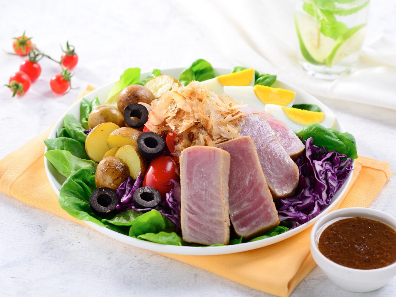 Japanese Steak Tuna Salad