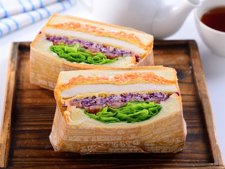 Sandwich Chicken Katsu Ala Jepang