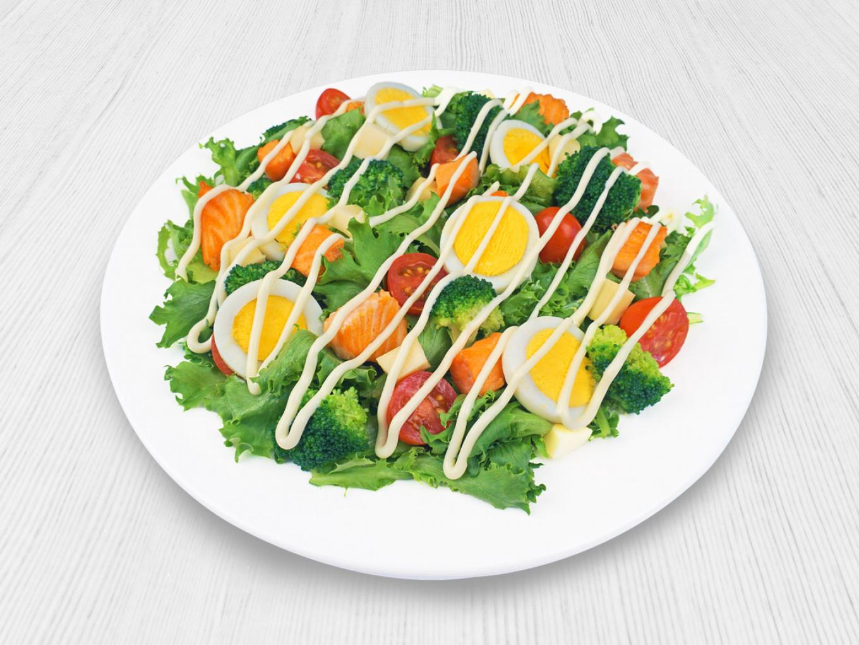 Egg and Salmon Mix Salad