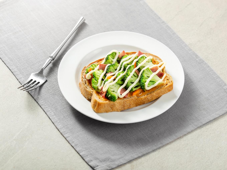 Spicy Veggie Tartine